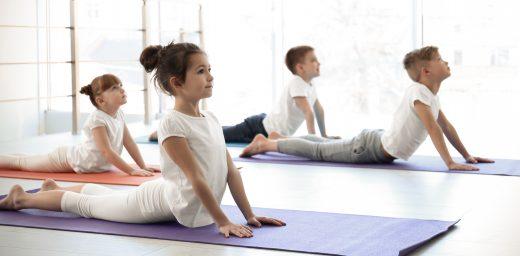 Tras la buena acogida que han tenido los talleres gratuitos de yoga nidra, el mes que viene hemos organizado dos nuevos talleres gratuitos, en este caso, de yoga en familia en CYGOM Centro Médico